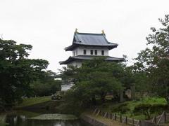 松前城・山側より天守閣を見る.jpg