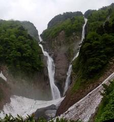 滝見大から見る称名滝とハンノキ滝.jpg