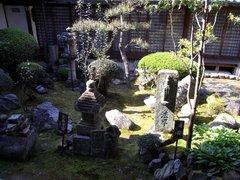 飛鳥寺・庭.jpg